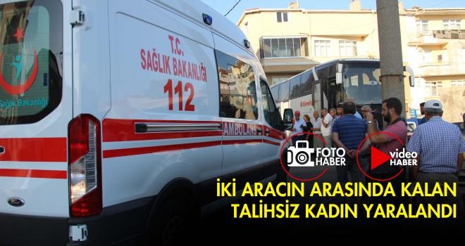 İki Aracın Arasında Kalan Kadın Yaralandı