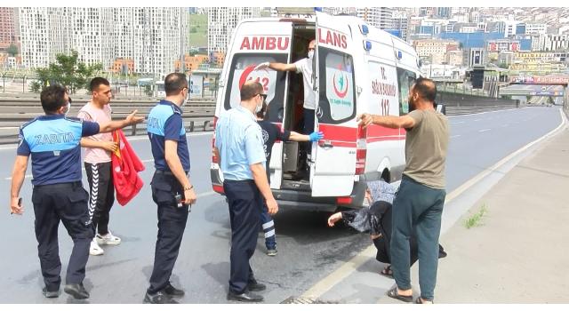 Beylikdüzü'nde kaza yapan gençleri öfkeli babadan zabıta ekipleri kurtardı