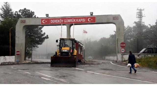 Giriş ve çıkışlara açılan Dereköy Sınır Kapısı'nda düzenleme