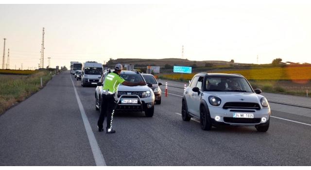 Malkara-Tekirdağ karayolunda 20 kilometre araç kuyruğu