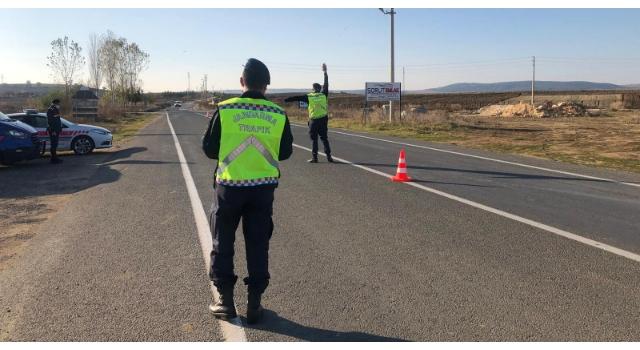 Edirne'de jandarma, bin 363 sürücüye 751 bin lira ceza kesti