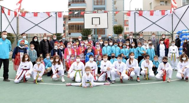 Hüseyin Pehlivan İlkokulu çok amaçlı spor sahası törenle açıldı