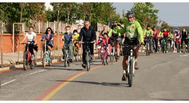 Dünya Bisiklet Günü etkinliğine çocuklar ve ailelerinden büyük ilgi