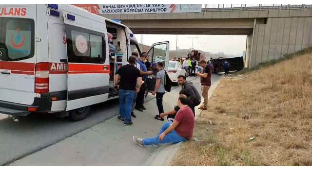Servis minibüsü yan yattı; 6 işçi hafif yaralandı