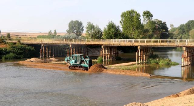 Tunca Nehri'nde taşkın riskine karşı yatak genişletme çalışması başlatıldı
