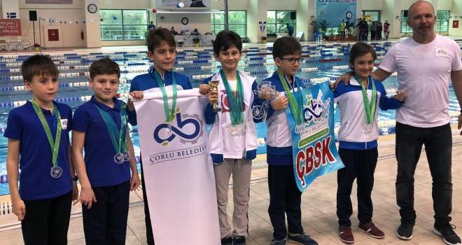 Tekirdağ'lı Yüzücüler Kavala'da Rekor Kırdı
