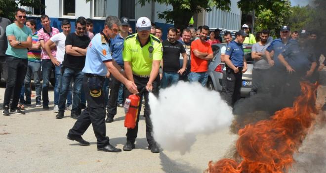 İtfaiye'den Emniyet Mensuplarına Yangın Tatbikatı