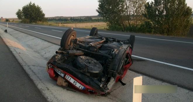 Bayram Dönüşü Kaza: 3 Yaralı
