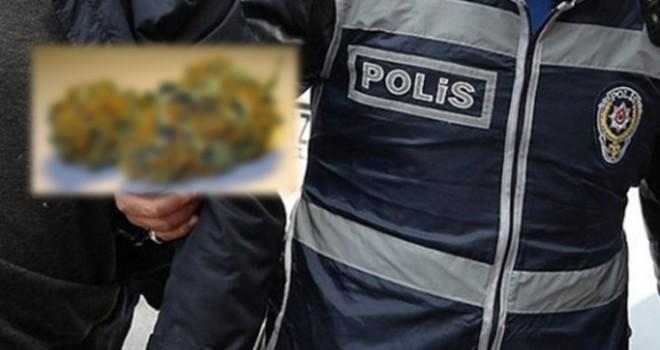 Durdurulan Otomobilde Uyuşturucu Çıktı