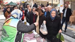 İzzeti İkram Pazarı, Artı Çarşı'da kuruldu