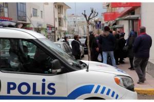 Bankalar önündeki kuyruğa polisten uyarı