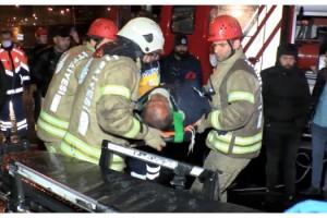 Çekici kamyonet halk otobüsüne çarptı: 2 yaralı