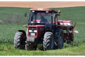 Tekirdağ'da çiftçiler tarlalarında çalıştı
