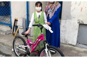Cumhurbaşkanı Erdoğan'ın hediye ettiği bisikletlere kavuştular