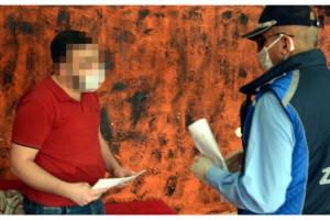 Dezenfektan ve tek kullanımlık örtü kullanmayan berbere ceza