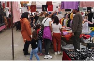 Halk pazarında çocukların ne işi var?