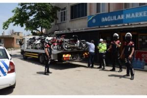 Keşan'da 35 motosiklet sürücüsüne 78 bin lira ceza
