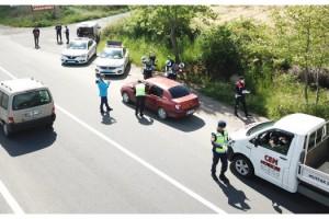 Tekirdağ'da jandarmadan sürücülere hediyeli uygulama