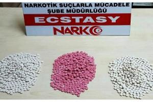Tekirdağ'da, uyuşturucu haplarla yakalanan 3 kişiye gözaltı