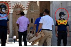 Edirne'de cuma namazına gelenlere 'mobil dijital termal kamera' ile ateş takibi