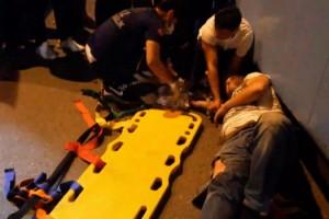 Lastik değiştirirken otomobilin çarptığı tamirci yaralandı