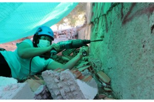 Deprem gönüllülerinden enkazda arama-kurtarma eğitimi