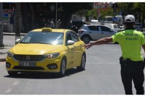 Edirne'de taksilerde maske denetimi