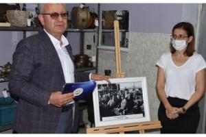 Adnan Menderes'in ziyaretinden kalan tek fotoğraf, müzede sergileniyor