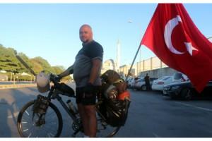 Almanya'dan Türkiye'ye 42 gün pedal çevirdi, 18 kilo verdi