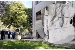 Edirne'de kolonları zarar gören bina yıkılacak