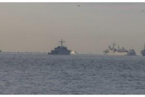 NATO gemileri peş peşe Boğaz'dan geçti