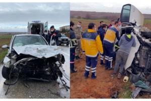 Lüleburgaz'da iki otomobil çarpıştı: 4 yaralı