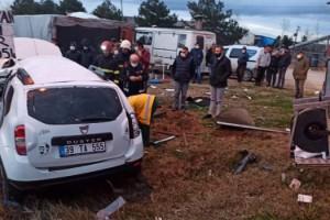 Lüleburgaz'da otomobille minibüs çarpıştı: 2 ölü, 1 yaralı