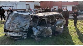 Tekirdağ'da minibüsle çarpışan otomobil alev aldı: Aynı aileden 1 kişi öldü, 3 kişi yaralandı