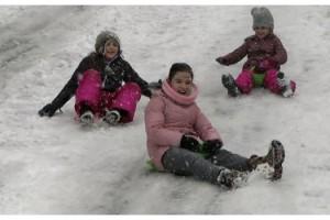 Çocuklar aileleriyle birlikte karın tadını çıkardı