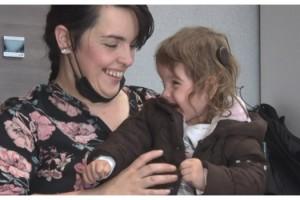 """Bosnalı Majra annesinin sesini ilk kez Türkiye'de duydu, """"Bebeğim"""" ile gelen duygu dolu anlar..."""