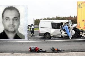Tekirdağ'da baklava yüklü minibüs, TIR'a çarptı: 1 ölü