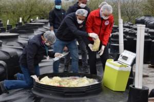Turşu Tankında Görüntü Paylaşılan İşletme Mühürlenerek Faaliyetten Men Edildi