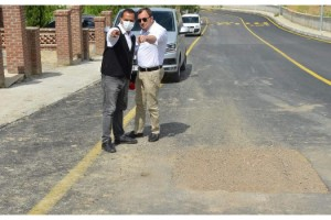 Belediye başkanından asfaltlanan yolun yeniden kazılmasına tepki