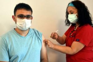 Aşılamada mavi il Edirne'de, 18-30 yaş grubuna 'aşı olun' çağrısı